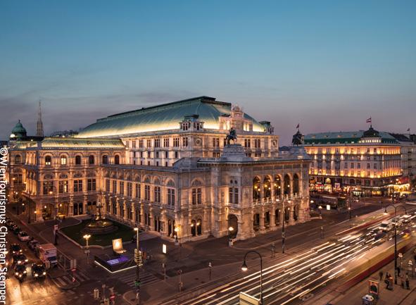 Staatsoper Wien bei Nacht Ringstraße ©WienTourismus Stemper Christian