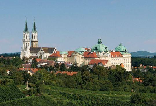Klosterneuburg und seine Weinberge